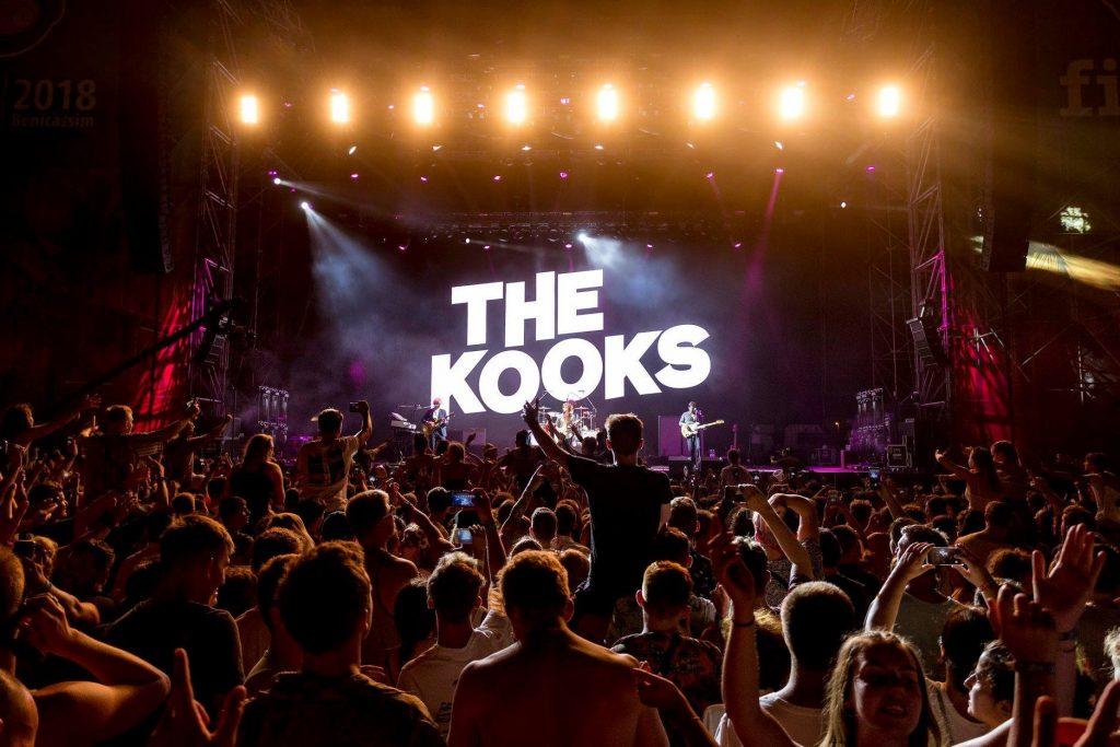 benicassim-landfill-indie-kooks-festival-crowd